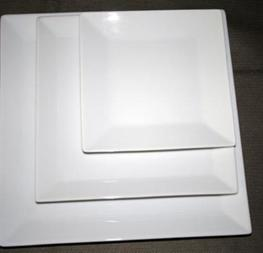 assiettes carrées 0.25crts/ pièce hors tva