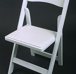 chaise pliante blanche résine 2.50€ hors tva